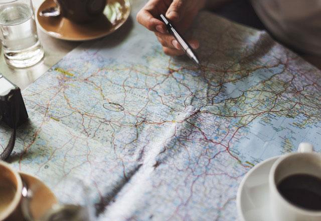 Landkarte studieren